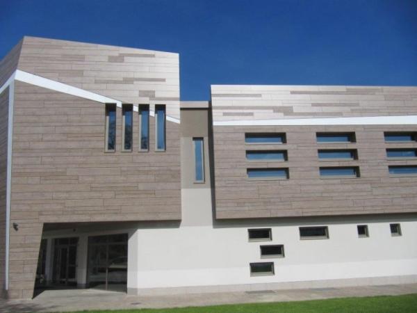 FunderMax Public facade 3 resized 600