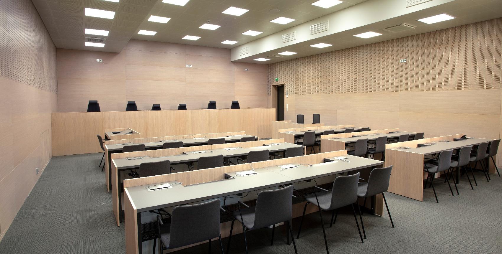 Lappeenrannan oikeustalo - istuntosali - Puucomp sisäverhous